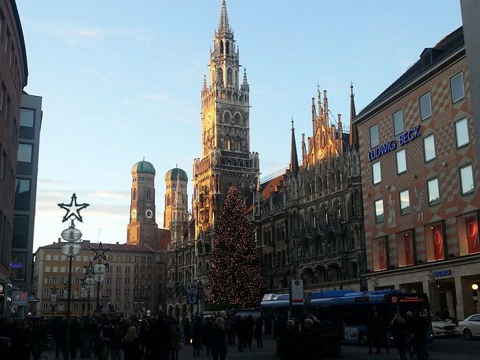 Munich Revisited: A Walk in the January Holiday Sun